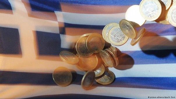 Греческий кризис привел к снижению курсов евро и акций