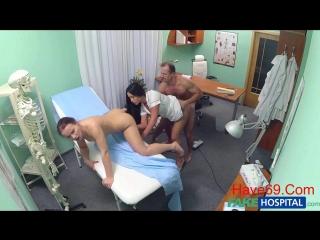 [Fakehospital] Ебля с уборщицей и медсестрой. Трахнул обеих