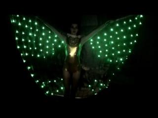 Золотистые крылья,зелёные светодиоды
