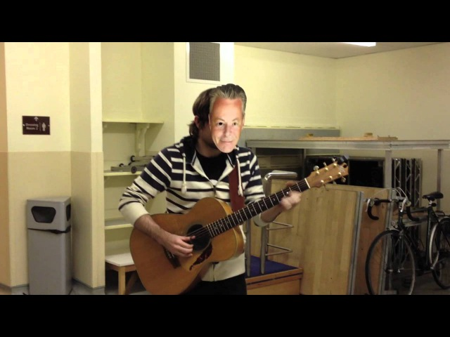 Gareth Pearson impersonating Tommy Emmanuel - Hilarious!