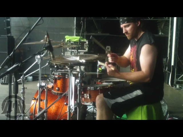 UNEARTH@ The Great Dividers-Live in METALFEST Poland 2013 (Drum Cam)