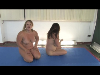 ANNA KONDA VS KATHY BUSTY GIRLS WRESTLE