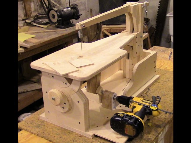 Assemble a drill-powered wooden scroll saw Part 4 - The Plate Assembly