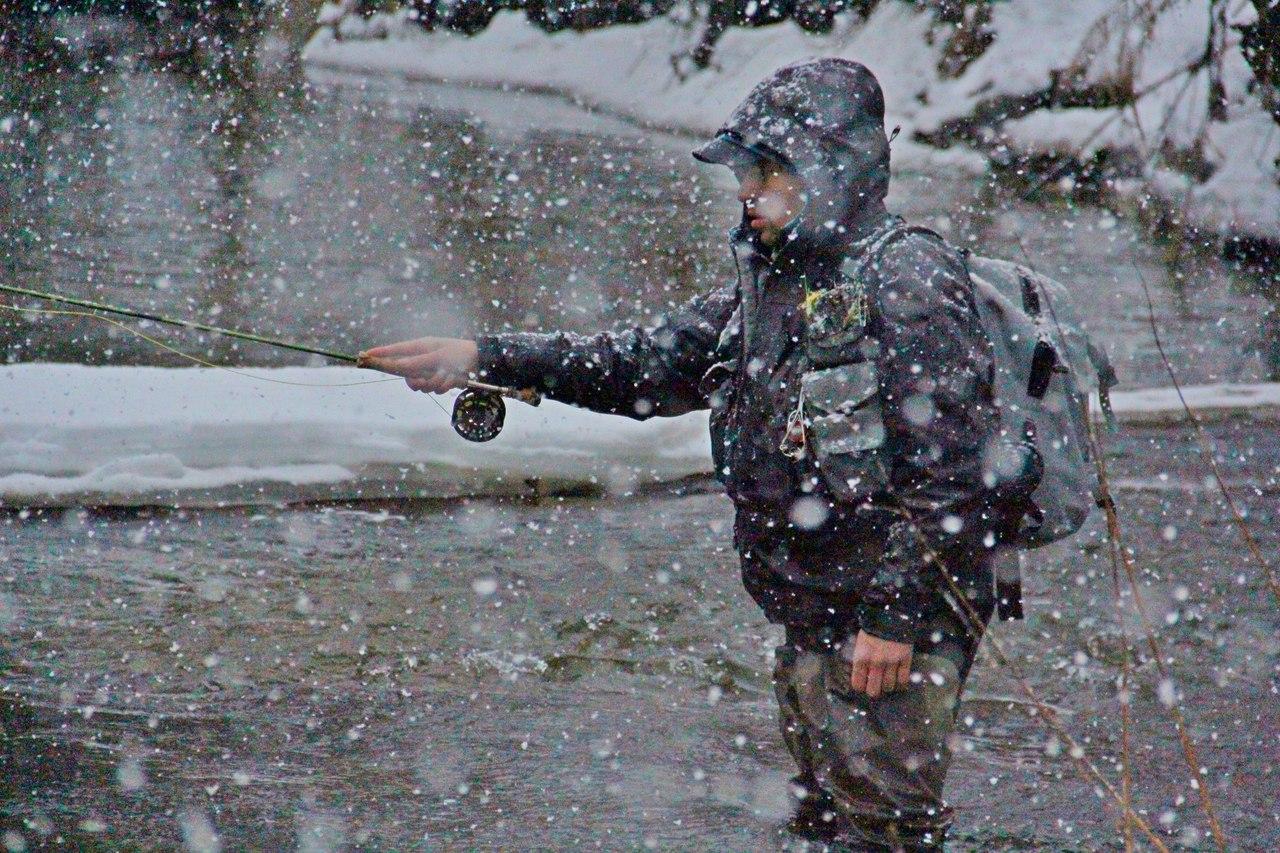 ловля нахлыстом рыбы зимой