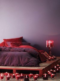 Кровать из паллетов своими руками фото