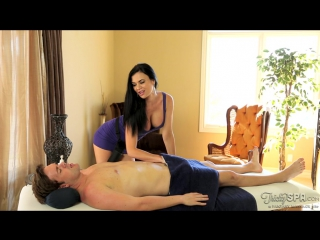 Гламурная массажистка соблазнила ботана в СПА салоне