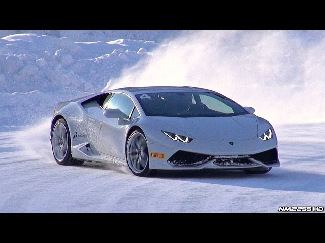 Lamborghini Huracán Doing Donuts and Drifting in the Snow!