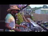 Kolombo ft Plastic Bertrand-Stop Ou Encore(DJ Le Roi Remix)played by Cajmere