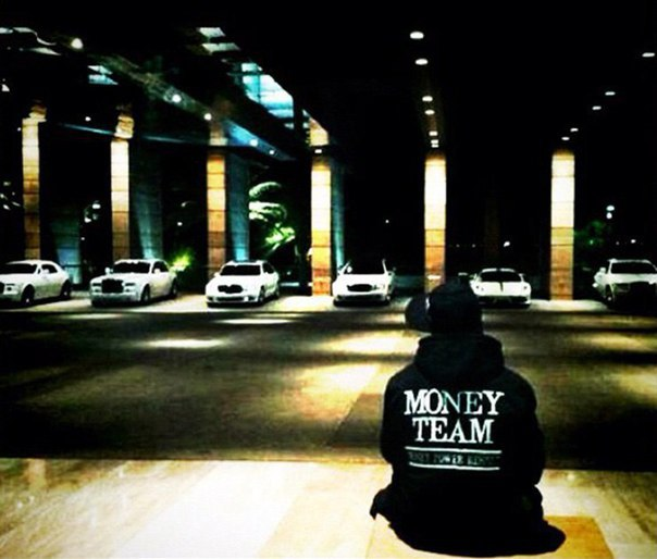 Как живёт богатейший боксёр планеты Флойд Мэйуэзер. Фото из инстаграма спортсмена.