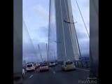 Красивейший, огромный мост! Впервые в жизни я увидела по мосту через Бухту Золотой рог! Это просто потрясающее инженерное сооруж