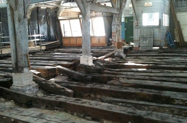Разрушенный корабль Королевского военно-морского флота