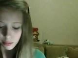 Девочка читает рэп про любовь! Текст норм, голоса нет _)