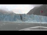 Огромная волна от отколовшегося ледника! Glacier Calving