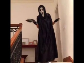 First victim in scary movies be like... Vine by: Lele Pons