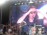 Geddy Lee speaking french