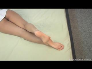 Noemis World - Bare soles,toe sucking,sniffing feet, foot worship, pantyhosed feet!