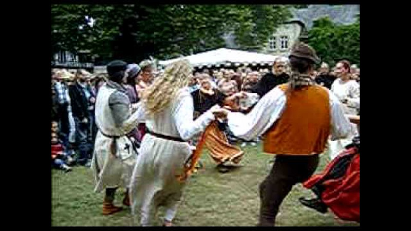 Schiarazula Marazula Renaissance Dance at Castle Eller