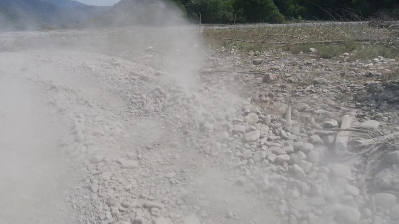 на грузовике возврачение с 33 водопадов на ручье Джегош по дельте реки Шахе