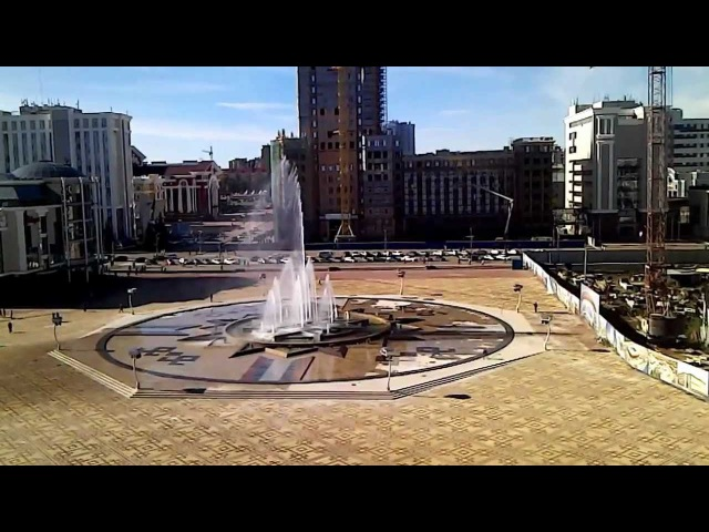 Фонтан на площади тысячелетия в Саранске. Вид из офиса.