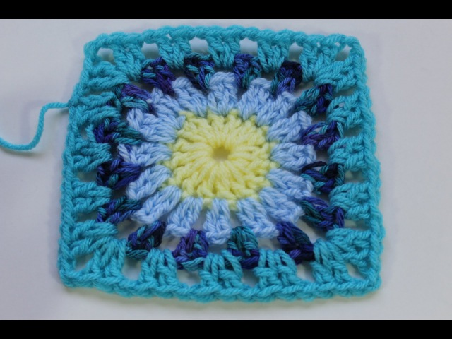 How to Crochet Granny Square with Round Center (Subtitulos en Espanol)