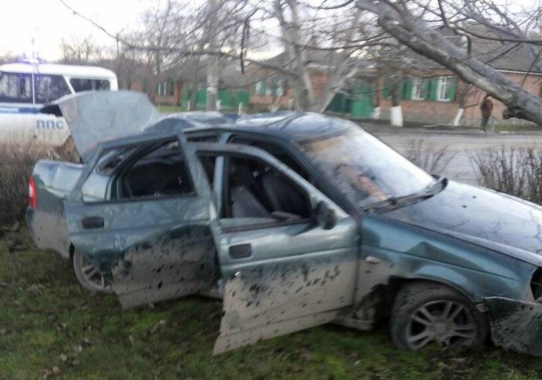 В Таганроге на 10-ом переулке перевернулась «Приора»