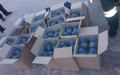 На трассе «Ростов-Таганрог» сотрудники ДПС задержали водителя «ЗИЛа» с 2500 литрами некачественного алкоголя