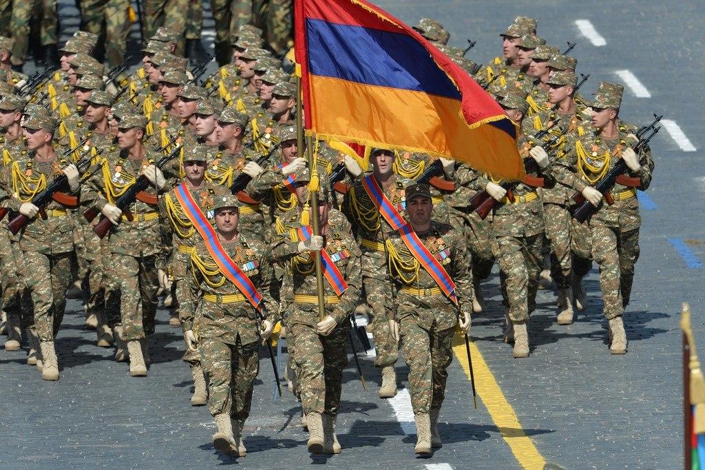 L'Armée Arménienne / Armed Forces of Armenia - Page 2 UXp7HNYGofE