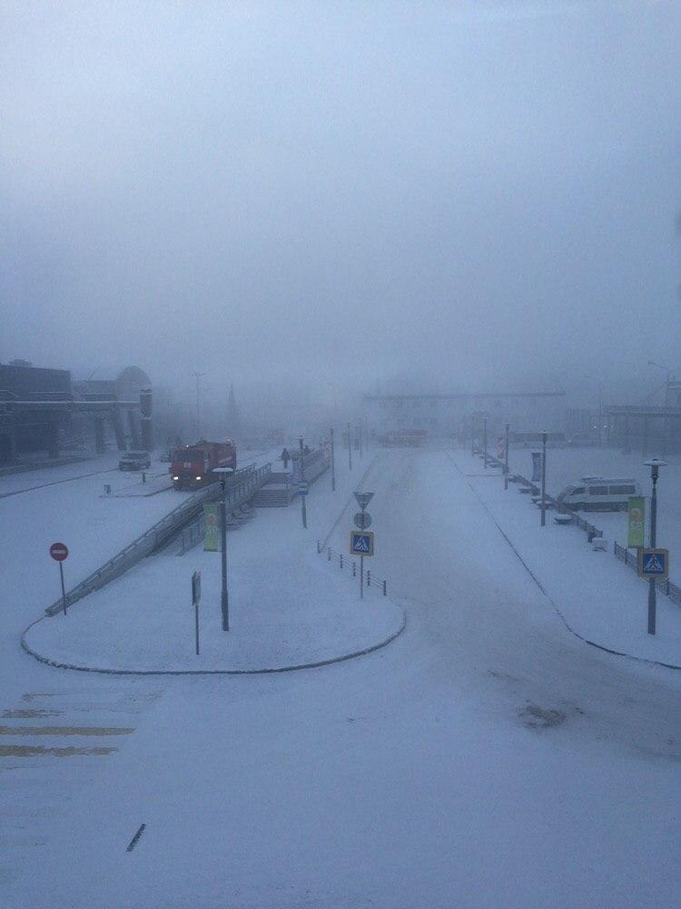 Аэропорт Якутска эвакуирован из-за сообщения о бомбе