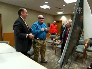 Слепой мужчина прозрел благодаря бионическому глазу