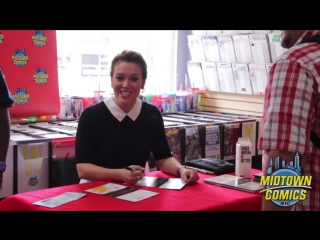 Alyssa Milano Signing Hacktivist at Midtown Comics Downtown l 12.09.2015.
