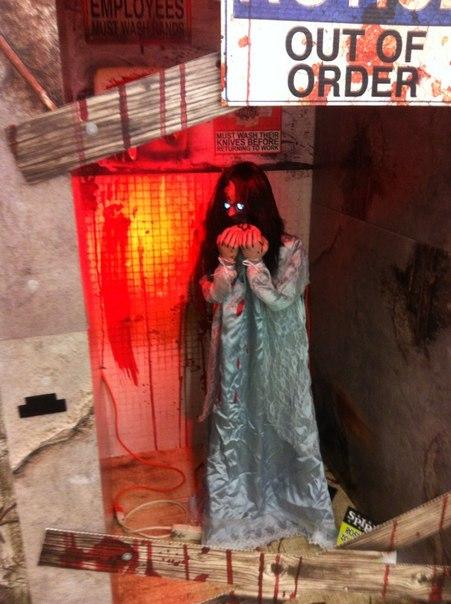 Бутафорская инсталляция к Хэллоуину в США