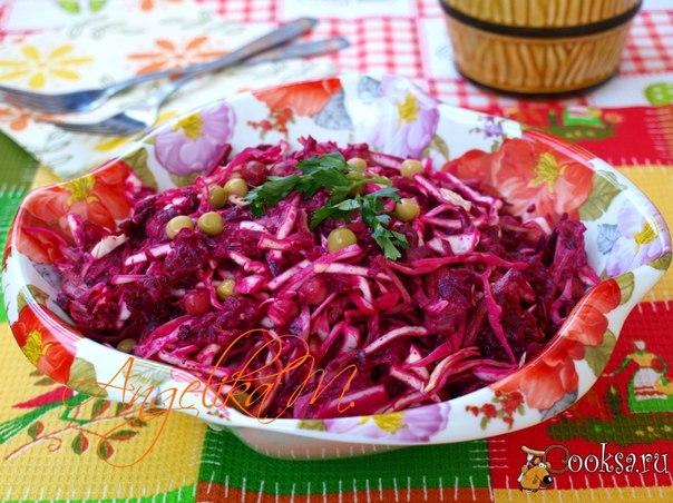 Овощной салат с говядиной и горошком Предлагаю очень сытный салат с говядиной и овощами. Такой салат обязательно понравится мужской половине. Салат отлично подойдёт для завтрака или ужина к любому гарниру.