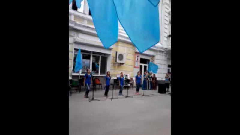 26 июня день крымскотатарского флага Крымскотатаркий национальный вокальный ансамбль Ярыкъчыкъ ватаным