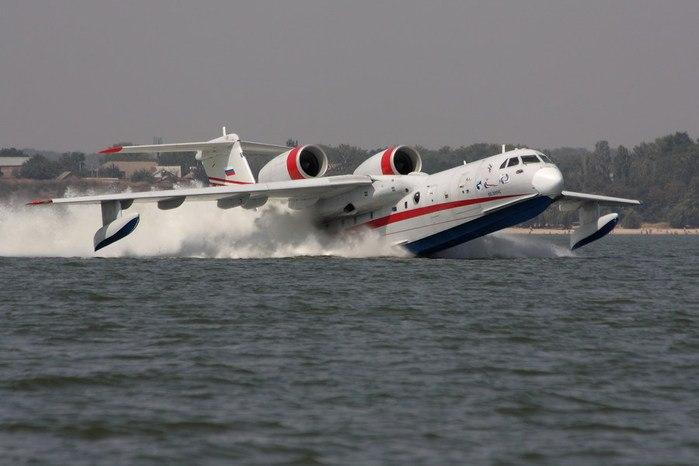 В Таганроге ТАНТК им. Бериева застраховал самолёт Бе-200ЧС по аэрокаско