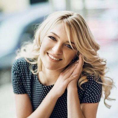 Оля Токаренко