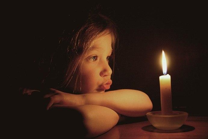 МЧС: в 29 населенных пунктах в 14 районах области, в том числе и Таганроге, 25 тысяч человек остаются без света