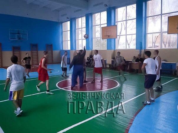 В станице Зеленчукской прошло Первенство Зеленчукского района по баскетболу