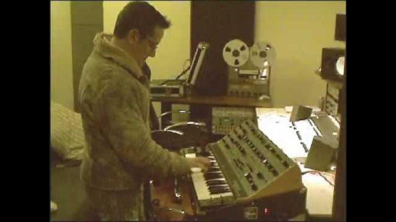 Michele Bon - Testing Crumar DS-2 - wonderful synth