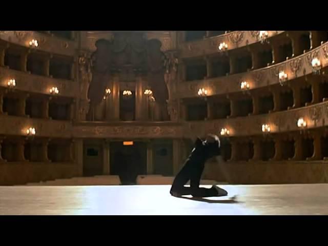 сцена из фильма Белые ночи 1985 Михаил Барышников танцует под песню Высоцкого
