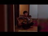 Казахский мальчик нереально круто играет на гитаре 2015