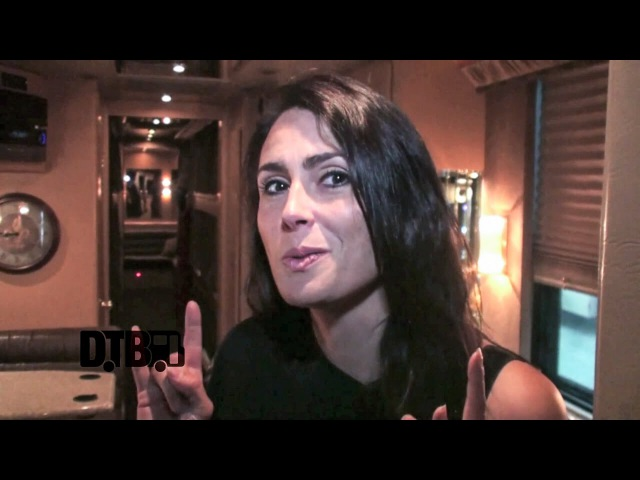 Within Temptation Sharon den Adel - BUS INVADERS Ep. 722