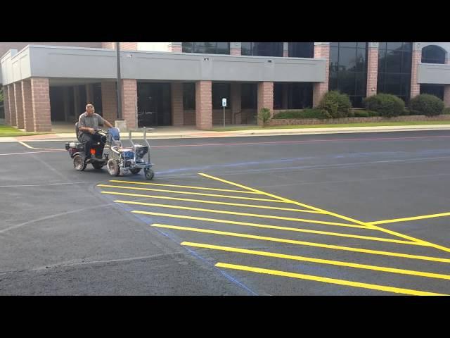 Professional parking lot striping linelazer 3900