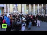 Франция: Полиция Экологи и мордобой за пределами Парижа Гран-Пале.