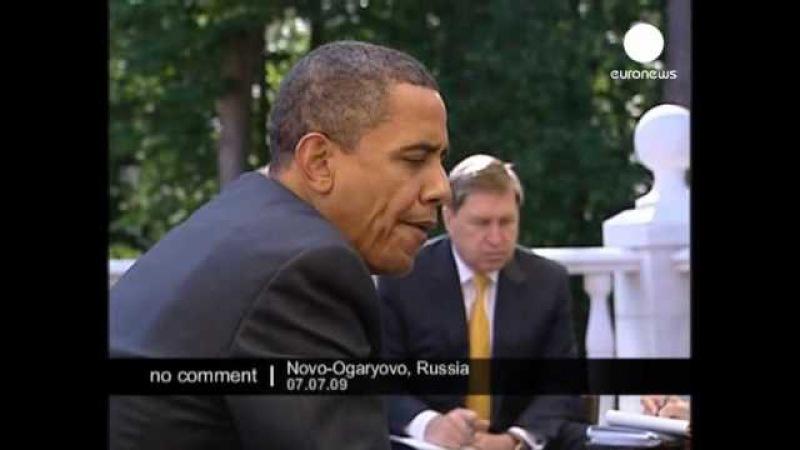 [2009] Obama Putin Breakfast (no comment)