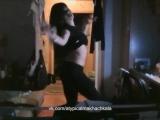 [Нетипичная Махачкала] Ася дома танцует часть 2 (когда скучно)