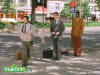 Sesame_Street_Bill_Irwin_Break_Dances_at_Bus_Stop
