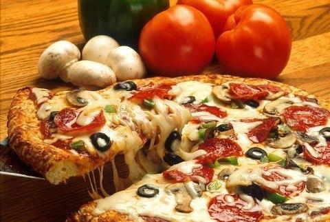 Готовим вкуснейшую пиццу дома!!! Мы отобрали для вас 3 моментальных варианта теста и 7 лучших начинок: 1. Кефирное Смотреть полностью...