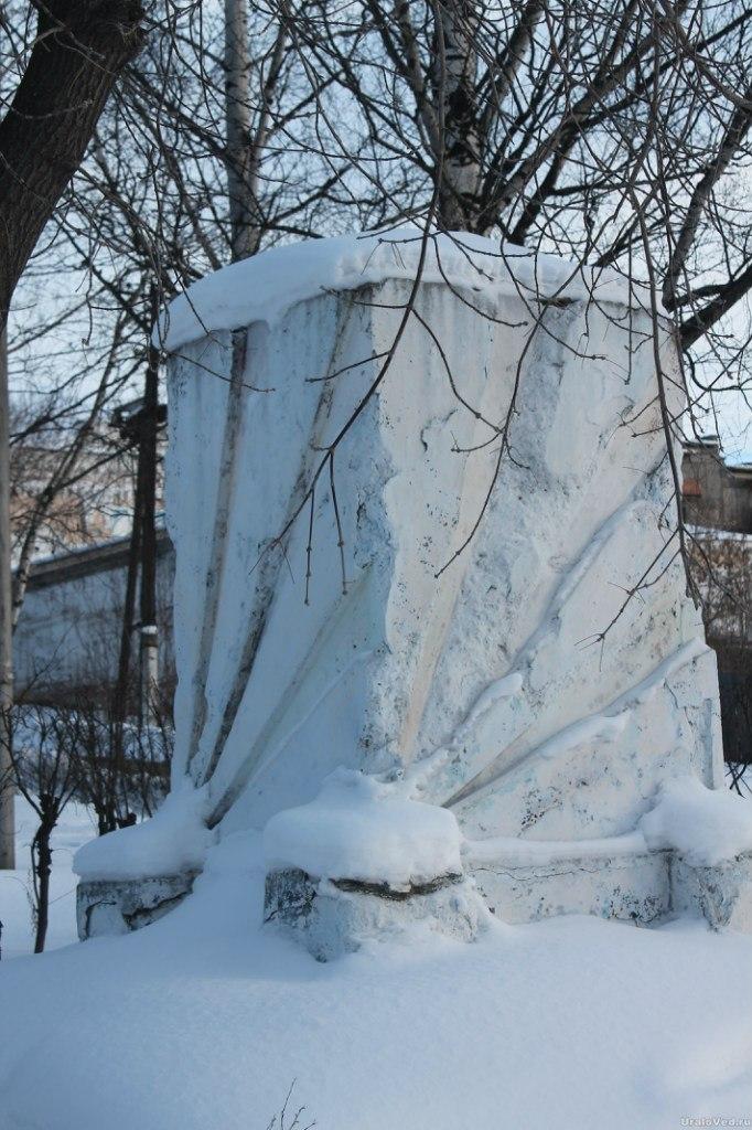 Постамент памятника Ленину в Кушве