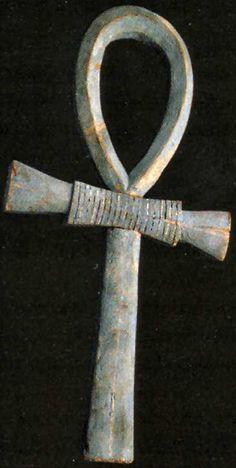 валтея - Куклы как объект поклонения: традиционные, обрядовые, магические, вуду. Идолы,тотемы, ритуальные маски, обереги, артефакты. FSQ30m9n6b4