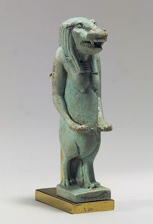 валтея - Куклы как объект поклонения: традиционные, обрядовые, магические, вуду. Идолы,тотемы, ритуальные маски, обереги, артефакты. V1o_V9ozyME